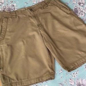 Columbia Omni-shield cotton khaki shorts